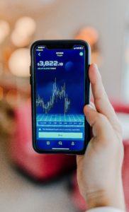 money-winning-graph-on-mobile-phone